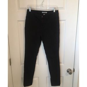 Refuge size 4 stretch cropped jeans